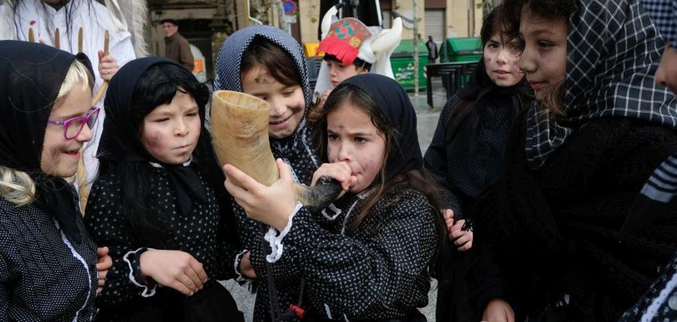 El Carnaval rural recorre el centro de Irun