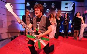 'Andoni Springsteen' canta por la «voluntad de acuerdo» en los MTV del PNV por Carnaval