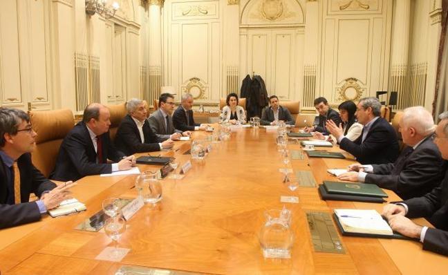 Las universidades vascas renuevan su colaboración con la Diputación