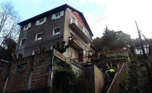 Desalojados 11 vecinos de un edificio de cuatro plantas de Pasaia por un corrimiento de tierra