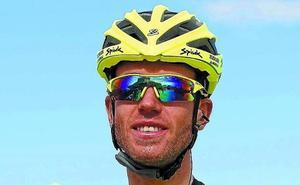 Garikoitz Bravo (ciclista del Euskadi Murias): «El equipo ha subido de nivel y hay que ganarse el puesto en las carreras»