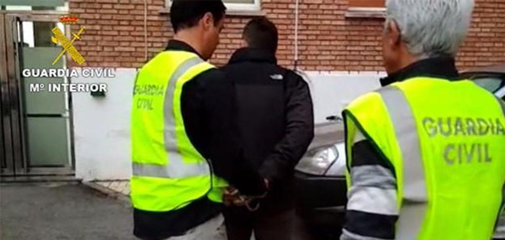 Detenido en Málaga un profesor acusado de abusar sexualmente de una alumna durante 3 años