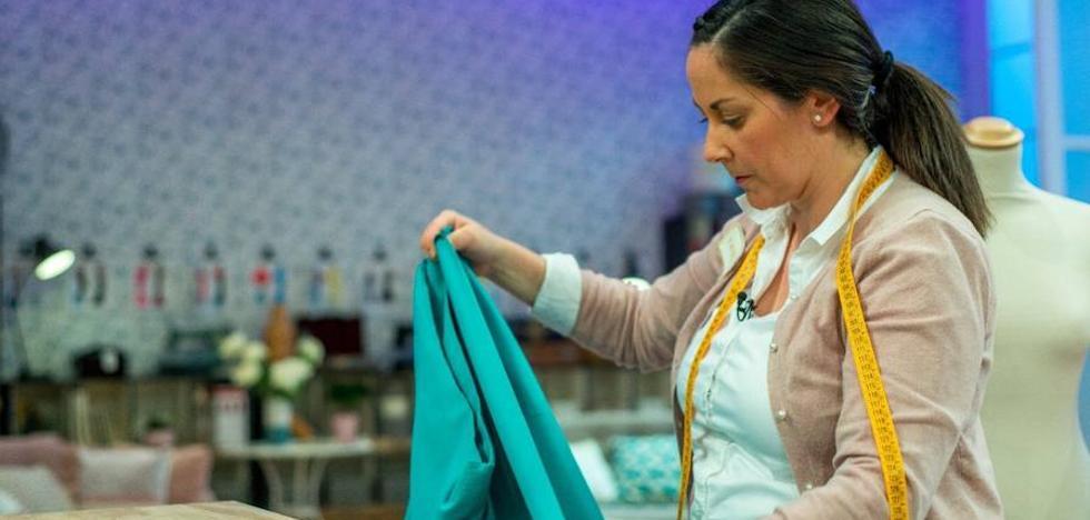 'Maestros de la costura': La profesora de religión donostiarra arranca 'picantona'