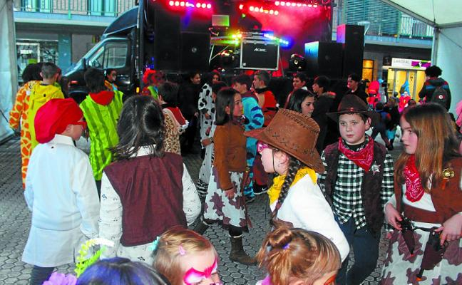 Mucho color y ambiente en los carnavales