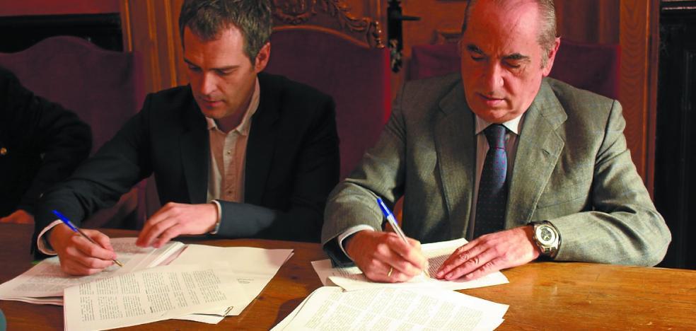 Sellado el acuerdo para la construcción de 45 viviendas en Las Esclavas