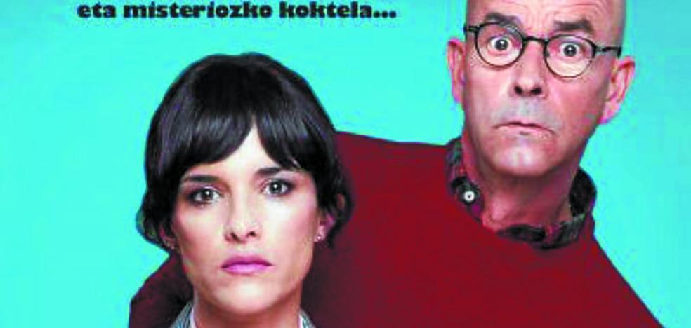 Joseba Apaolaza y Sara Cozar escenificarán hoy la obra de teatro 'Ergela' en Latxartegi