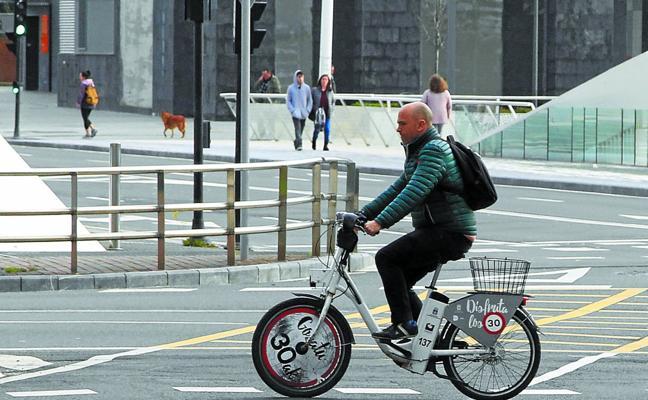 Los viajes en bici eléctrica suben un 34% y Movilidad decide mantener el sistema