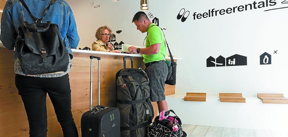 Donostia regula los pisos turísticos con un informe jurídico que rebate a Competencia