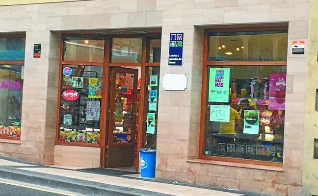 El ayuntamiento valora junto con los comerciantes el uso de 'merkatari', una app para móviles