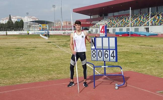 Jainaga bate el récord de España de jabalina