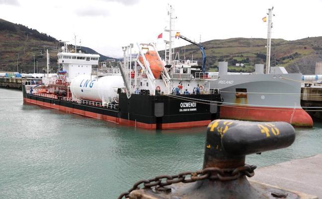 El puerto de Bilbao afirma que su bajada de tasas no busca captar cargas de Pasaia