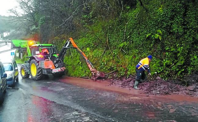 Debemen limpia las cunetas de los caminos rurales