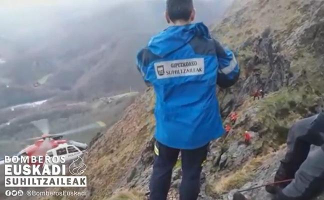 Rescatan a un joven en helicóptero en Aiako Harriak