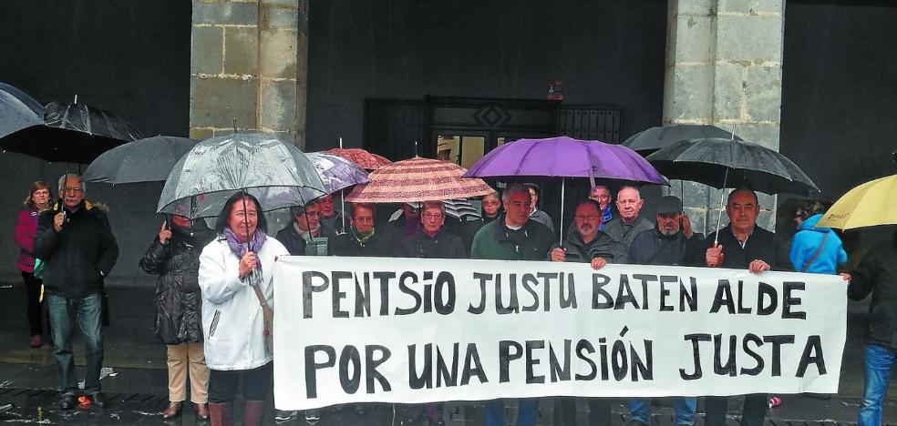 Los jubilados se concentran para reclamar pensiones dignas