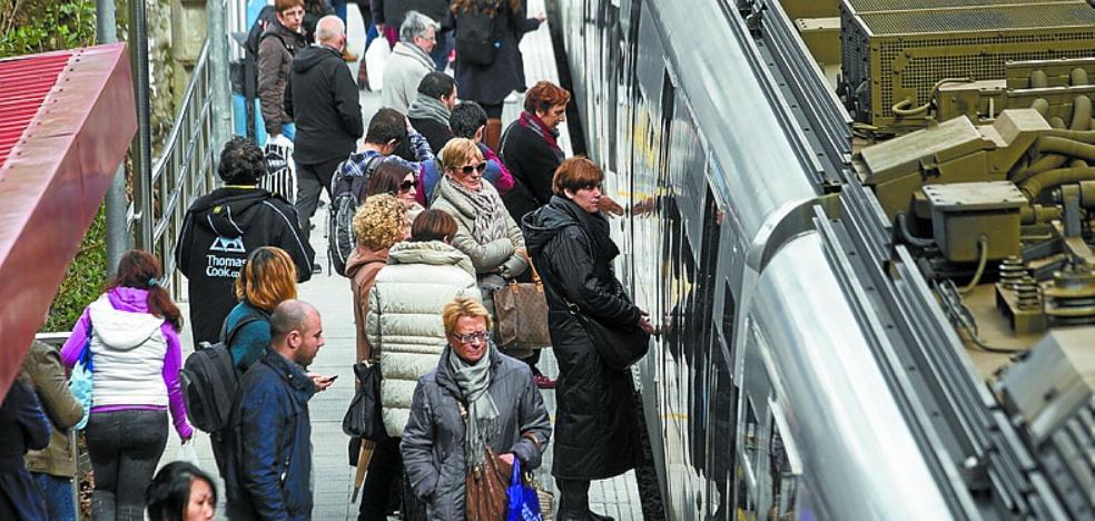 El alcalde pide a Euskotren «una reforma general» de las paradas de la ciudad