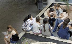 16-24 urte bitarteko hamar gaztetik seik euskara dute lehen hizkuntza Gipuzkoan
