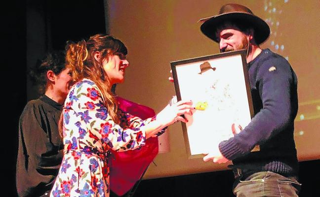 Homenaje a Aitor Arregi al son de Indiana Jones y Luigi Boccherini