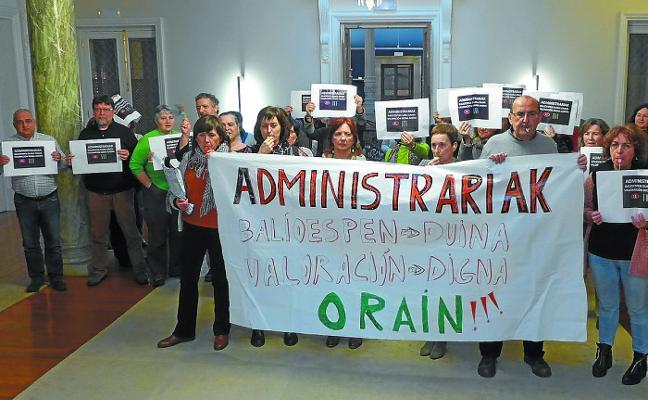 Los administrativos municipales piden una «valoración digna» de sus puestos