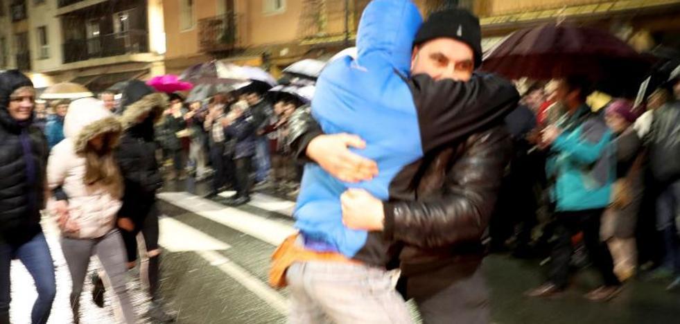 El Parlamento Vasco rechaza los homenajes a expresos de ETA con la abstención de EH Bildu
