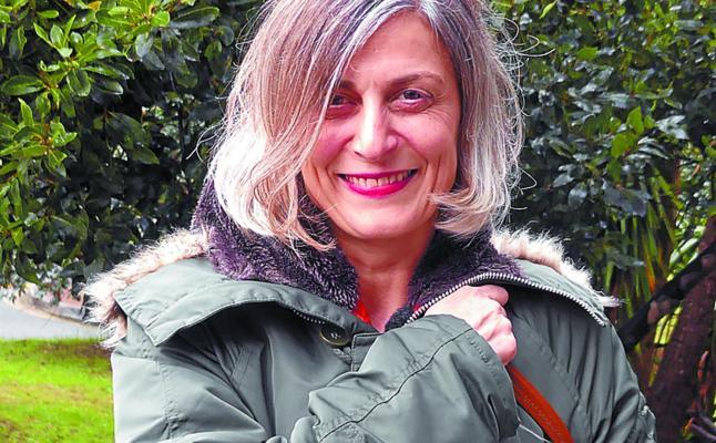 Miriam Luki Albisua: «La poesía contiene música y no siempre es sencillo encontrarla»