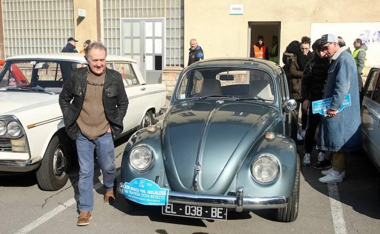 La Travesía Don Bosco llena de vehículos clásicos las carreteras de Gipuzkoa