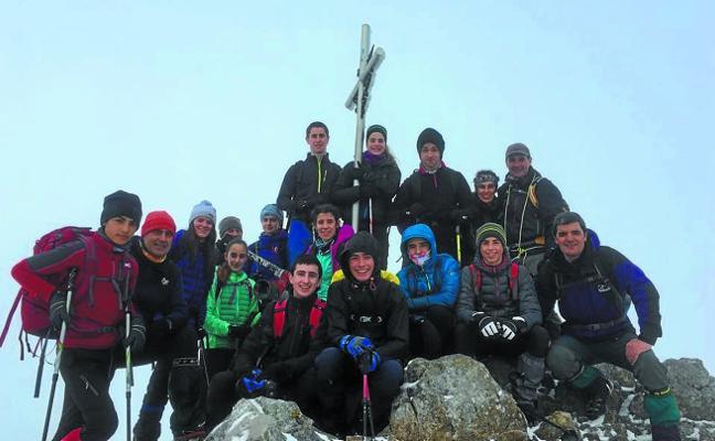 Del Aizkorri al Himalaya, con el fin de hermanar el euskera y el idioma sherpa