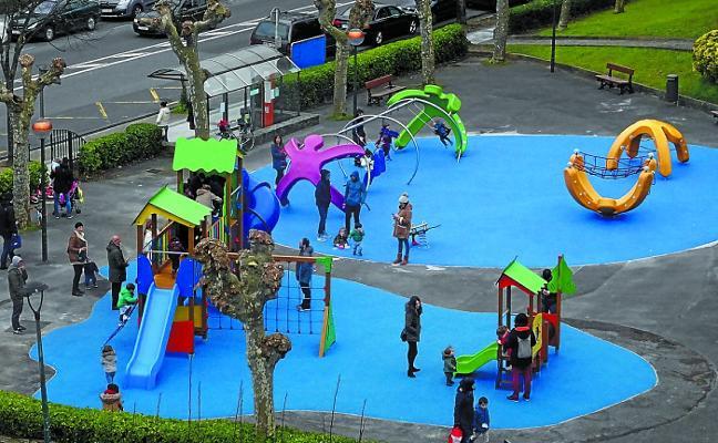 Abierto el renovado parque infantil de Pilartxo Enea
