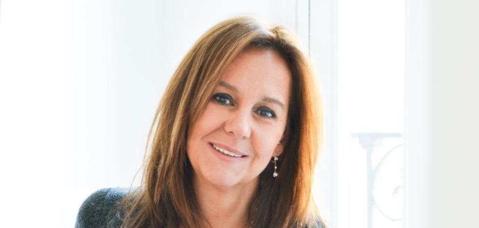 María Dueñas recrea el sueño americano de la 'Little Spain'
