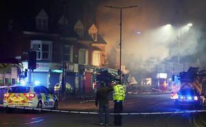 Explosión e incendio en Leicester: cuatro heridos en estado crítico