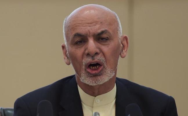 El gobierno afgano ofrece reconocimiento político a los talibanes y les llama a la paz