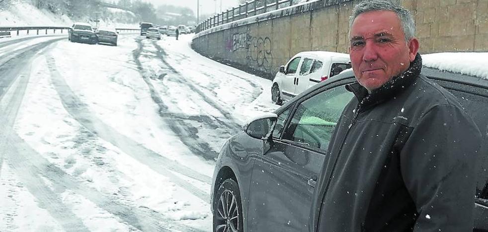«Ni con cadenas, los coches están cruzados»