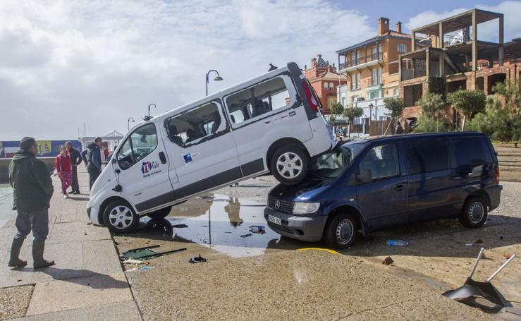 Un tornado golpea Cádiz