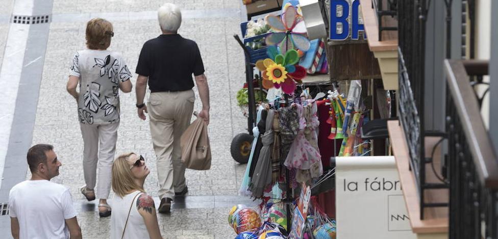 La nueva ordenanza de Espacio Público pone coto a los expositores comerciales en la vía pública