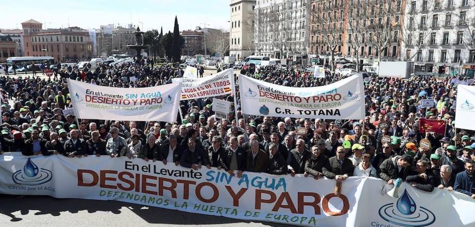 50.000 personas protestan en Madrid para pedir soluciones a la sequía en Levante