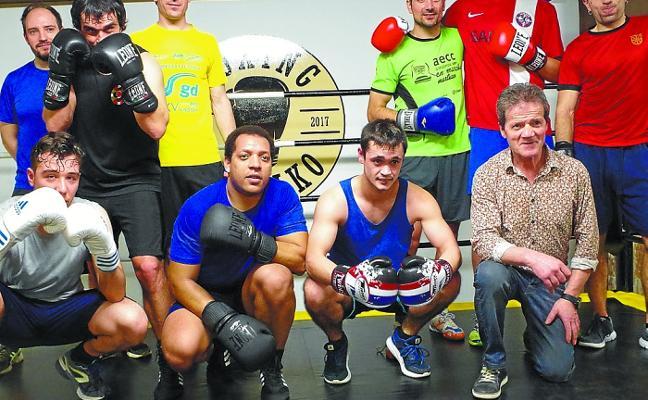 Gran expectación en la sala de boxing del polideportivo