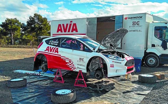 El equipo AVIA Rally Team arranca la nueva temporada en tierras murcianas