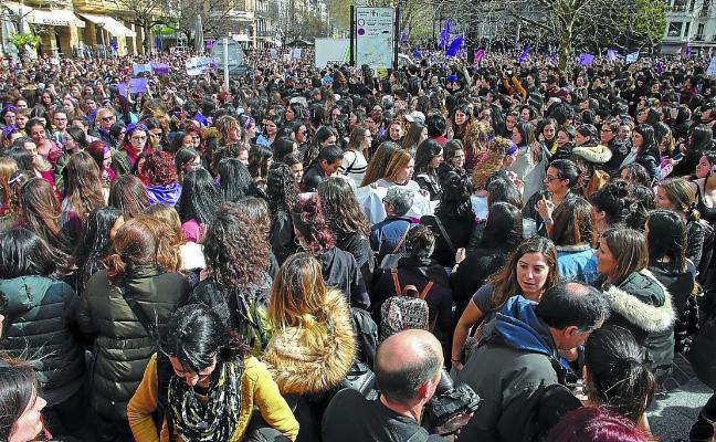 Euskadi asume que el clamor feminista obliga a ser más «contundentes» en las políticas