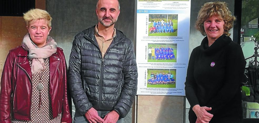 Una exposición recoge las fotos del fútbol femenino del Euskalduna