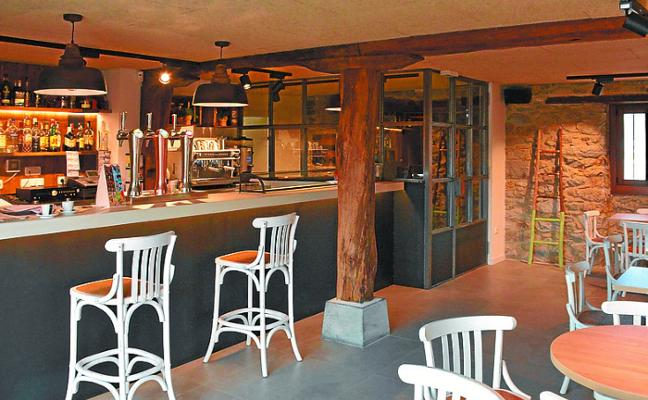 Nueva etapa en el bar de Segoretxe de Altzo