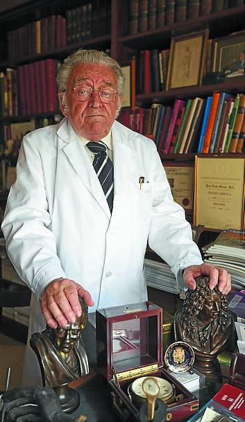 José Luis Munoa, médico y humanista