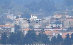 Un piloto aborta in extremis un aterrizaje en Loiu, en una jornada con nueve desvíos por el viento
