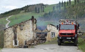 Un caserío de Bergara queda reducido a cenizas en minutos por un incendio