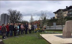 Los municipios de Zarautz e Irun rinden homenaje a las víctimas del terrorismo