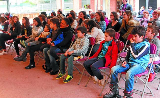 Astigarraga homenajeó en Sagardo Plaza a once mujeres de la localidad