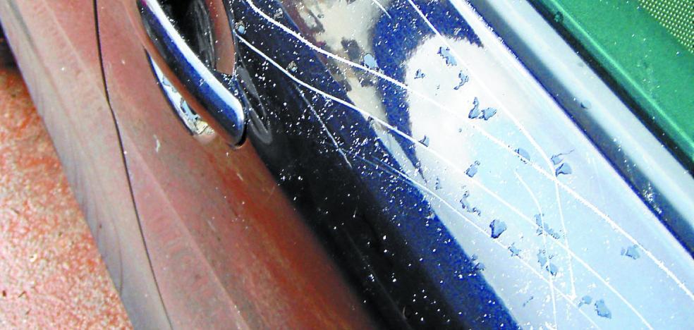 Detenido en Ituren por daños en 19 vehículos por valor de 14.000 euros