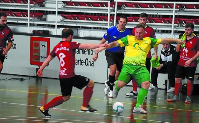 El Eguzki Carp. Antonio de Tercera de fútbol sala no pudo con el Kukuiaga