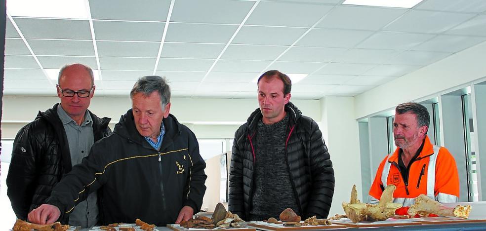 Antxieta Arkeologia taldea estrena local en el centro cultural Soreasu