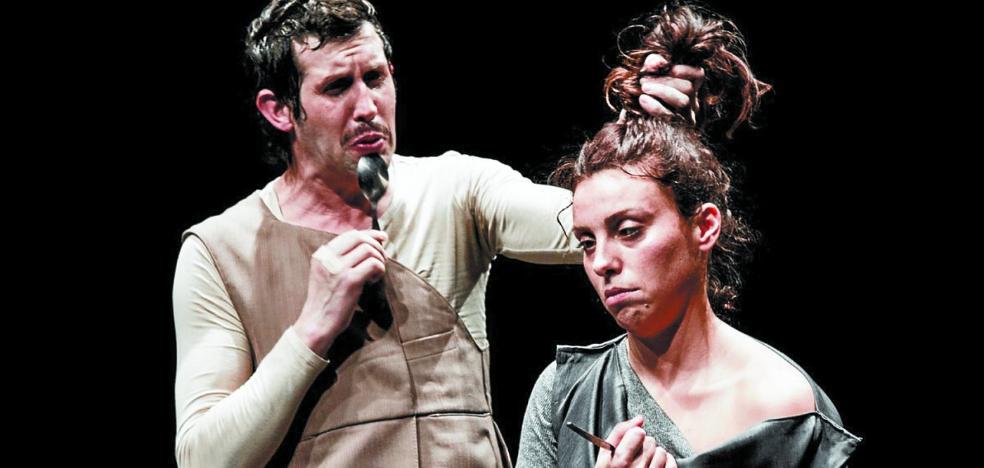 Una tragedia griega, tres cómicos, 200 cucharas y mucho humor