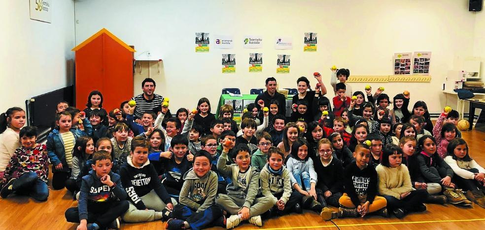 Crosses para ayudar al liceo de Baiona