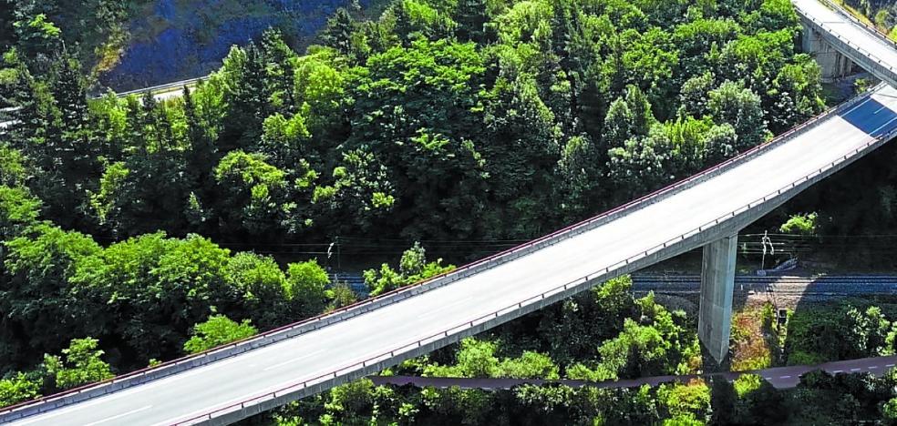 El bidegorri entre Elgoibar y Barrena tendrá cinco pasarelas y un coste de 5,1 millones